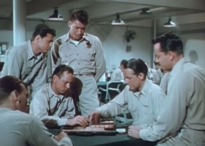 Sterling Hayden and Richard Carlson in Flat Top