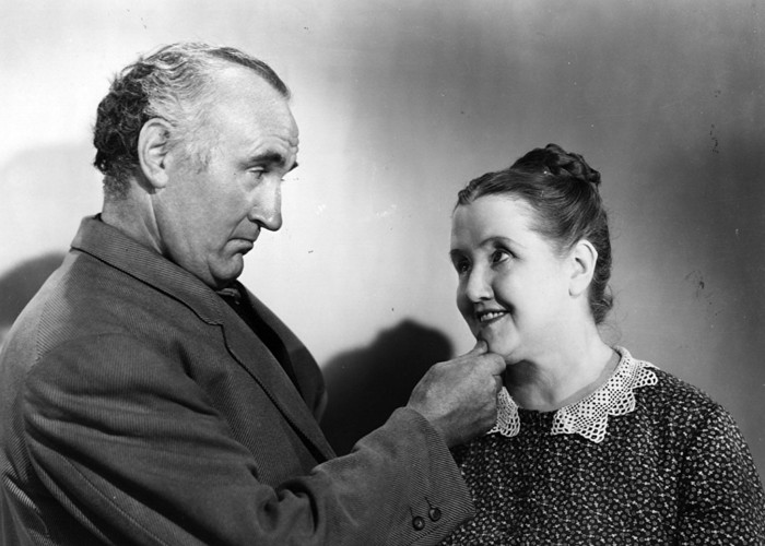 Sara Allgood and Donald Crisp in How Green Was My Valley