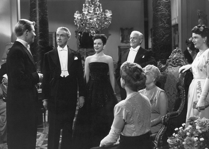 Constance Collier, Cathy Downs, Kurt Kreuger, Molly Lamont, and Clifton Webb in The Dark Corner