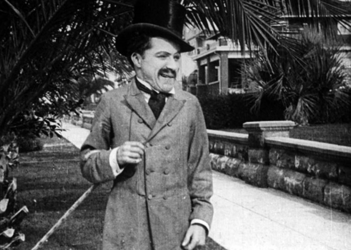 Charlie Chaplin first movie Making a Living