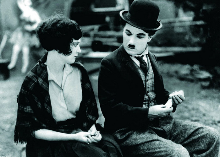 Charles Chaplin and Merna Kennedy in The Circus (1928)