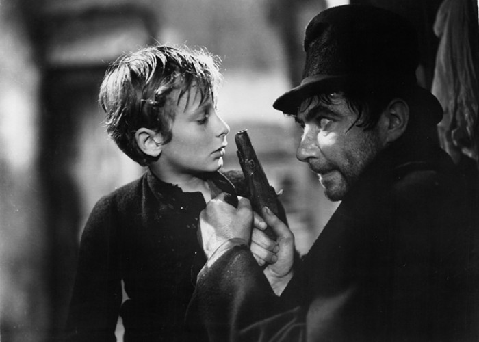 John Howard Davies and Robert Newton in Oliver Twist (1948)