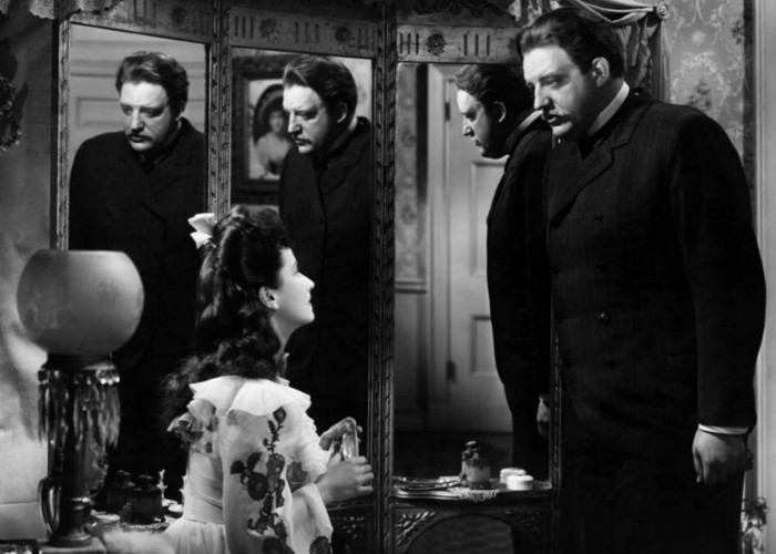 Laird Cregar and Merle Oberon in The Lodger (1944)