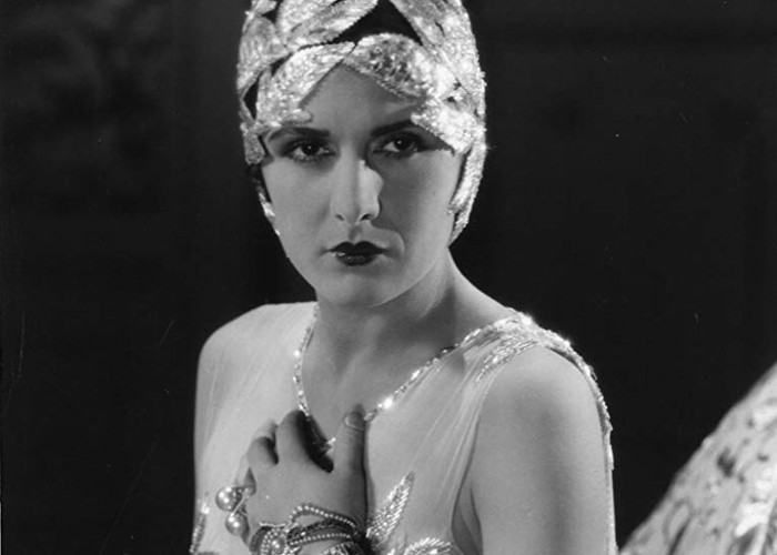 Evelyn Brent in Broadway (1929)