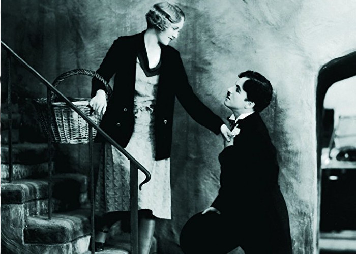 Charles Chaplin and Virginia Cherrill in City Lights (1931)