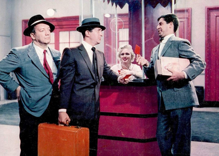 Jerry Lewis and Dean Martin in Hollywood or Bust (1956)