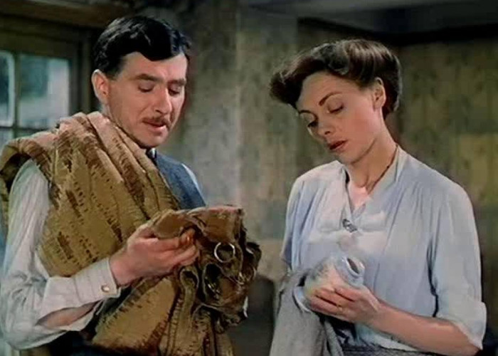 Celia Johnson and Robert Newton in This Happy Breed (1944)