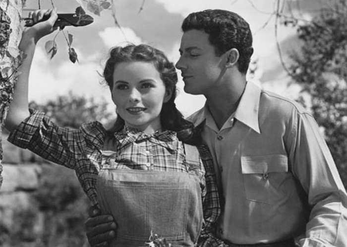 Jeanne Crain and Cornel Wilde in Leave Her to Heaven (1945)