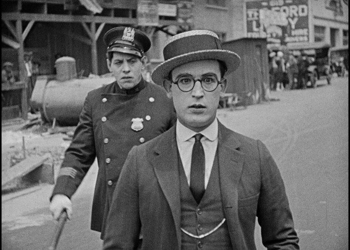 Harold Lloyd and Noah Young in Safety Last! (1923)