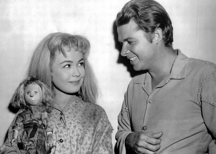 Sandra Dee and Audie Murphy in The Wild and the Innocent (1959)