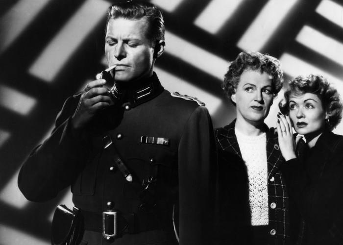 Constance Bennett, Gracie Fields, and Kurt Kreuger in Paris Underground (1945)
