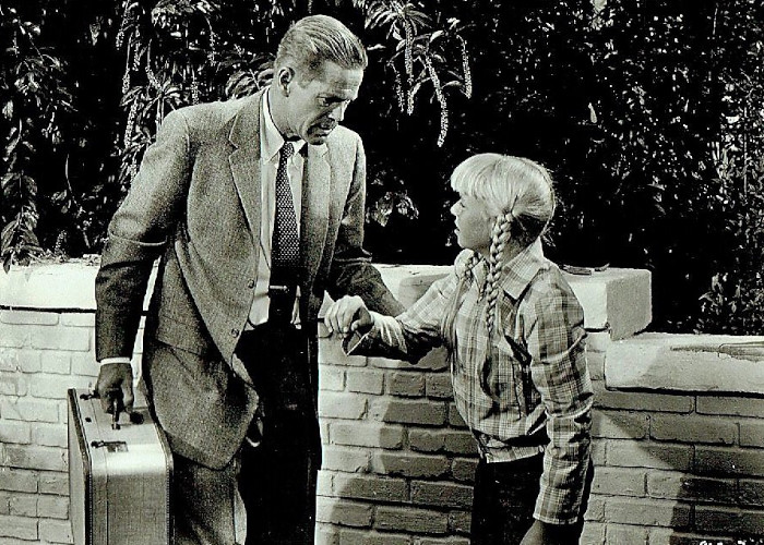Dan Duryea and Patty McCormack in Kathy O' (1958)