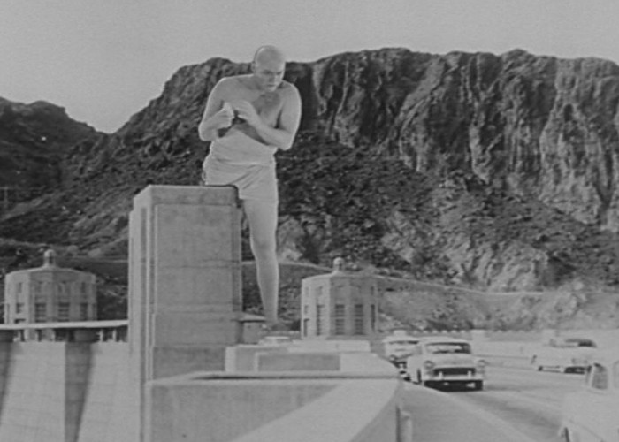 Glenn Langan in The Amazing Colossal Man (1957)
