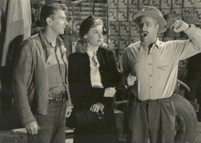 Ronald Reagan, Ann Sheridan, and George Tobias in Juke Girl (1942)