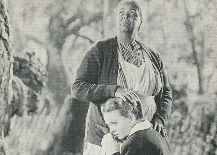 Jeanne Crain and Ethel Waters in Pinky (1949)
