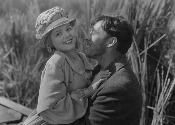 Janet Gaynor and George O'Brien in Sunrise: A Song of Two Humans (1927)