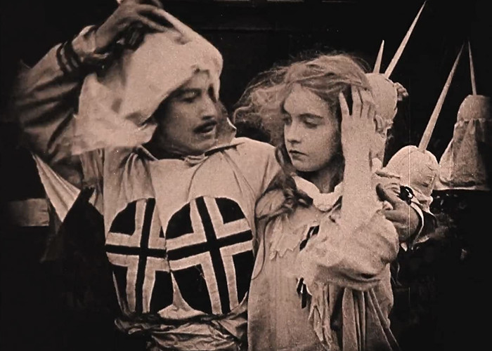 Lillian Gish and Henry B. Walthall in The Birth of a Nation (1915)