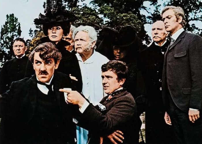 Michael Caine, Dudley Moore, Peter Cook, Irene Handl, John Mills, Nanette Newman, Ralph Richardson, and John Tatham in The Wrong Box (1966)