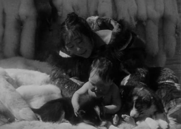 Alice Nevalinga in Nanook of the North (1922)