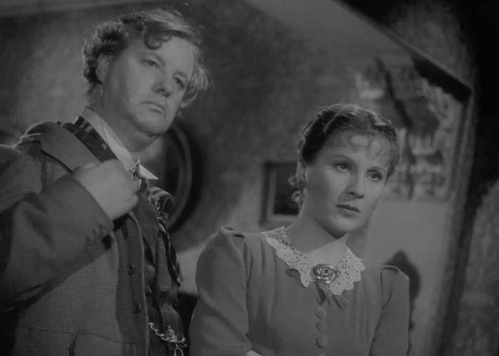 Frank Pettingell and Diana Wynyard in Gaslight (1940)