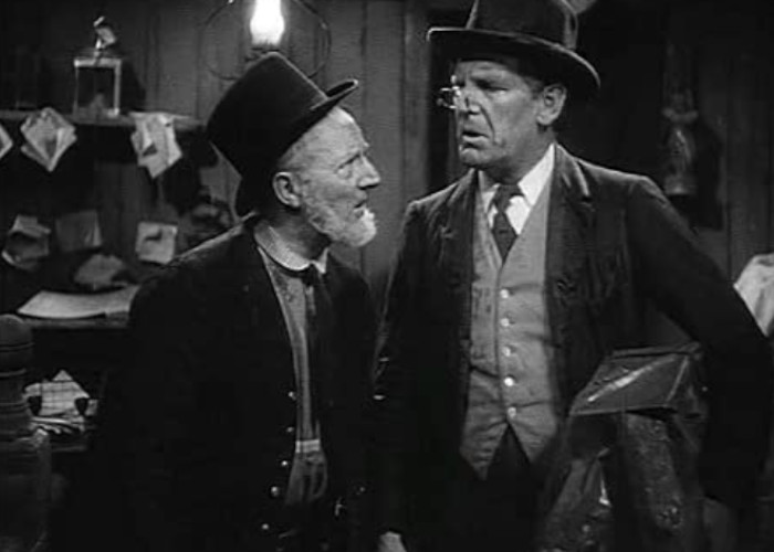 Will Hay and Moore Marriott in Oh, Mr. Porter! (1937)