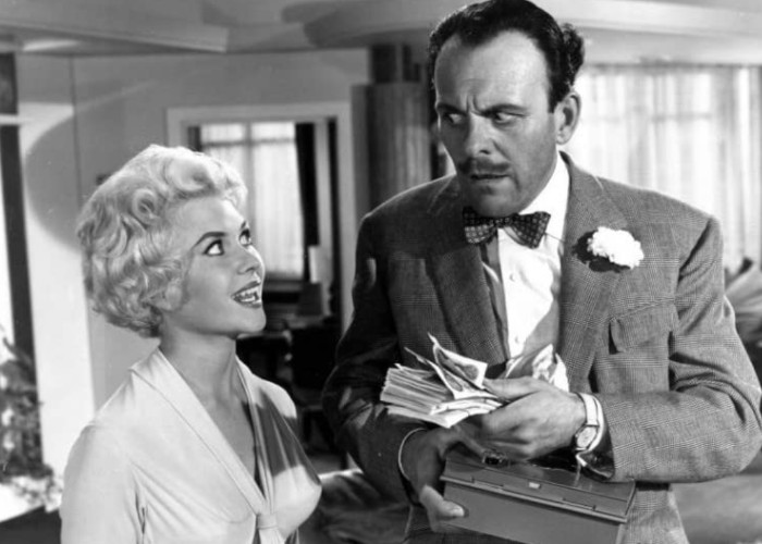Vera Day and Terry-Thomas in Too Many Crooks (1959)
